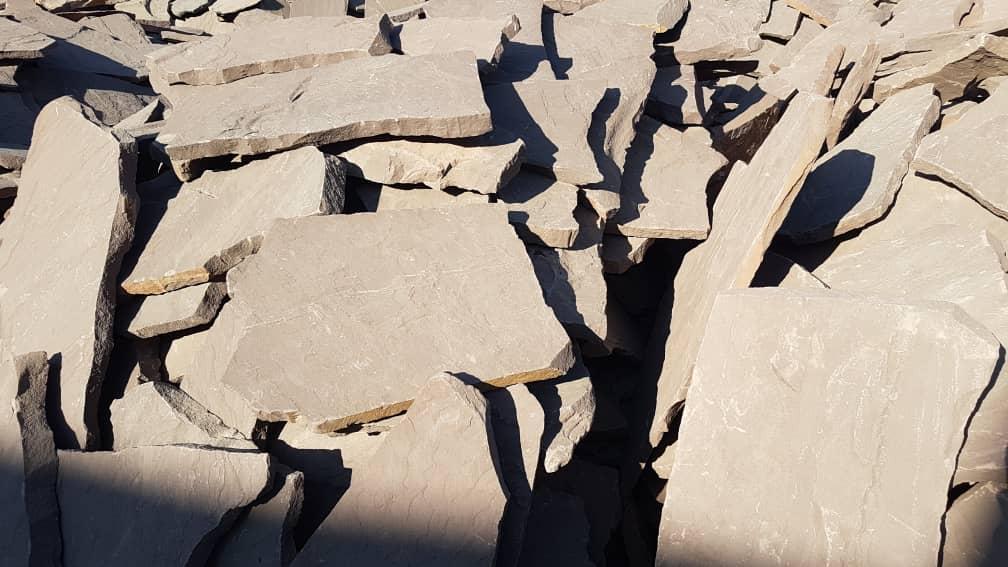 سنگ قهوه ای دماوند هر تن 1میلیون 350 هزار تومان