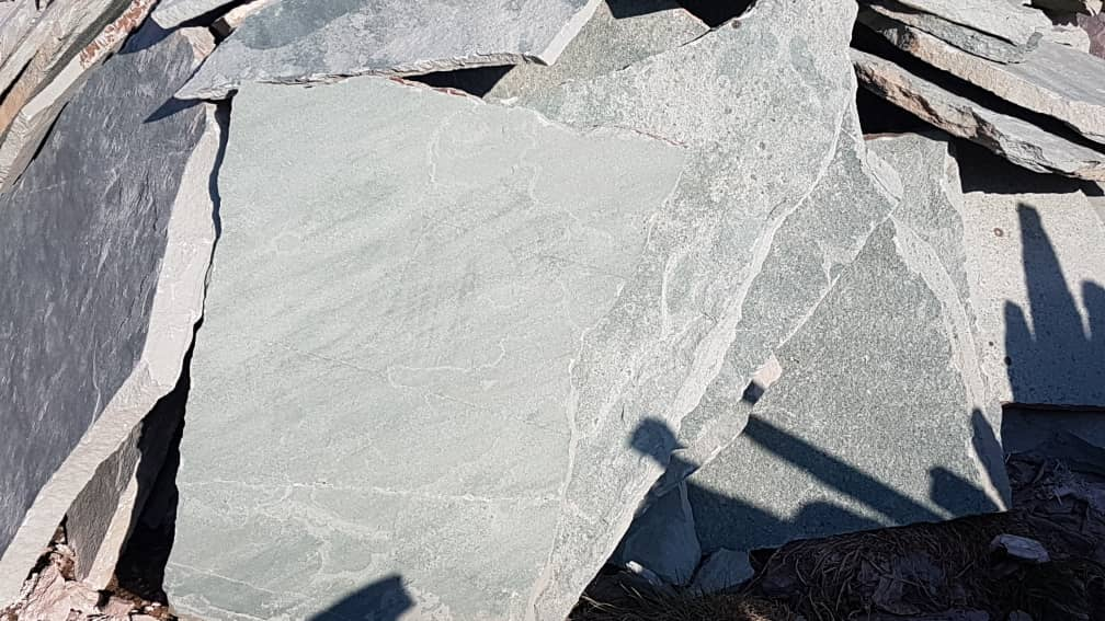 سنگ ورقه ای قم هر متر مربع 105 هزار تومان